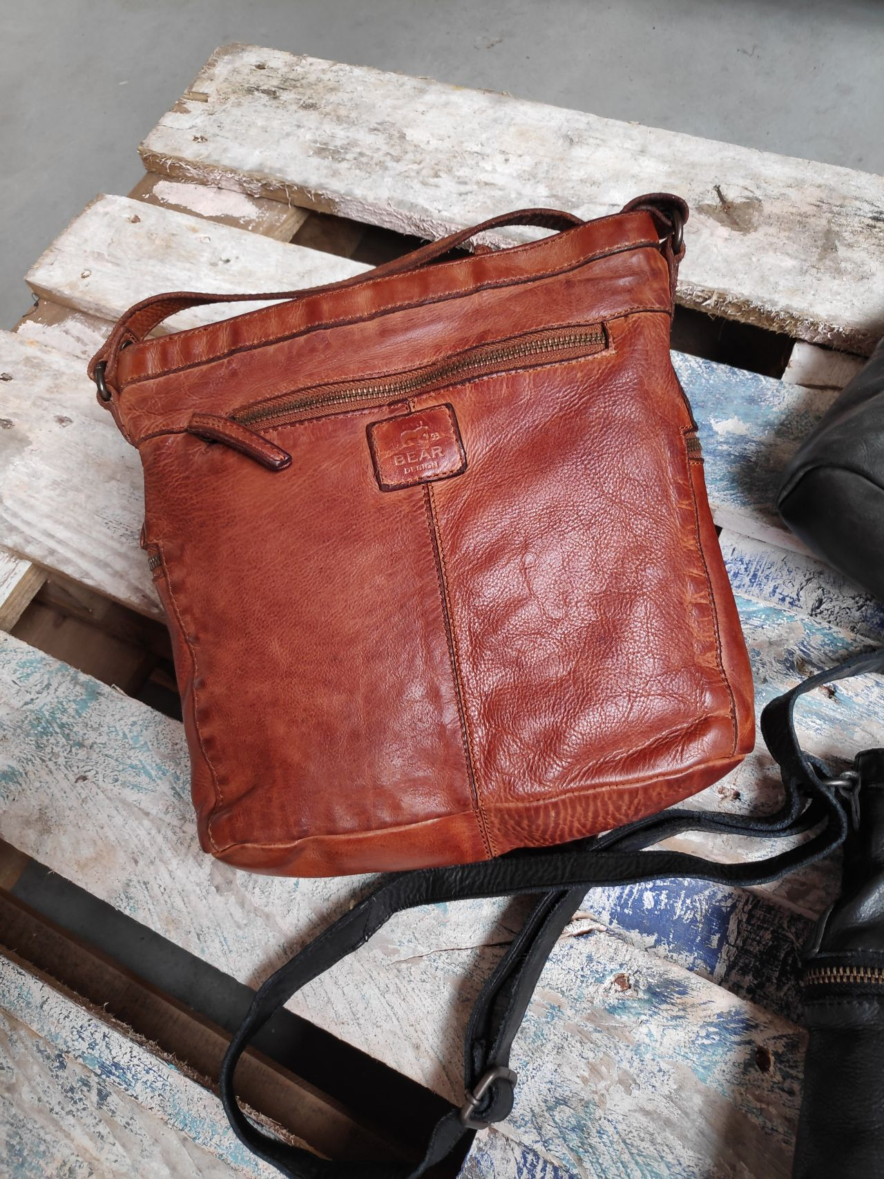Bear Design Schultertasche CL35556 in cognac